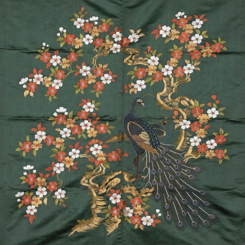 《袱紗 萌黄繻子地桜樹孔雀模様》江戸時代(19世紀)