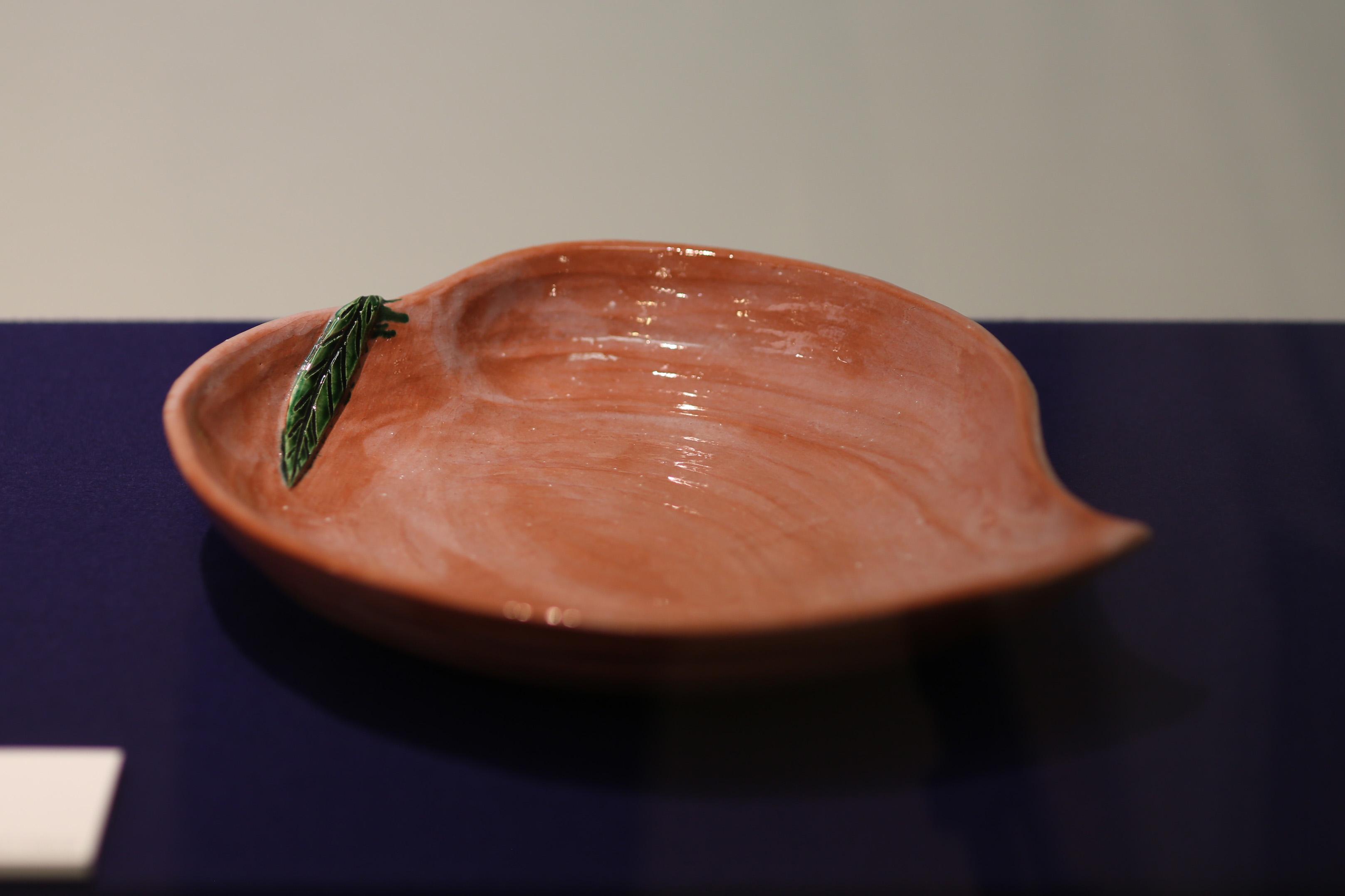 「赤桃形平鉢」 弘入 十二代楽吉左衛門